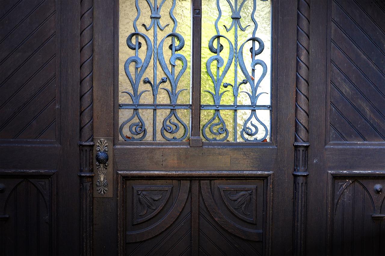 Comment rénover une porte ?